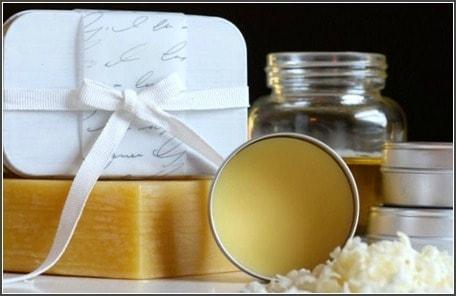 Mommypotamus Sandalwood and Vanilla Solid Perfume Recipe