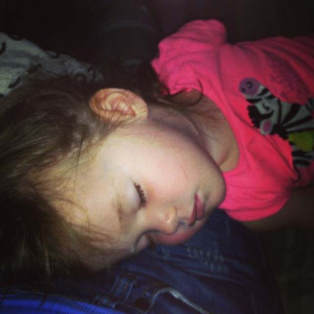 I know I should wake her up... She will never want to go to sleep tonight... Sunday afternoon naps :)