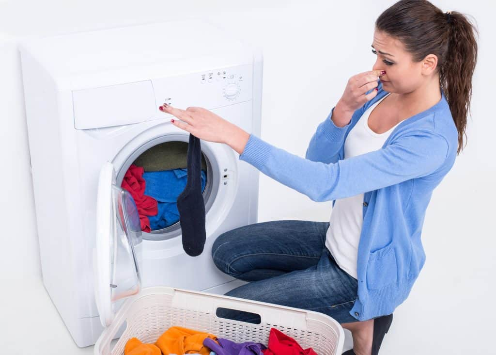 Do you struggle with getting smelly odors out of your laundry using natural detergent? You really want your laundry to be fresh and clean but don't want to expose your family to harmful chemicals… You're going to love this hack to get even the stinkiest odors out of your clothes without using harmful chemicals or fragrances!