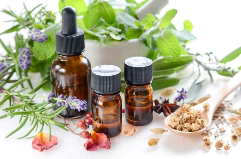 DIY non-toxic healthy hair recipes with essential oils.