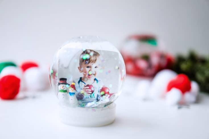 How to Make a Snow Globe