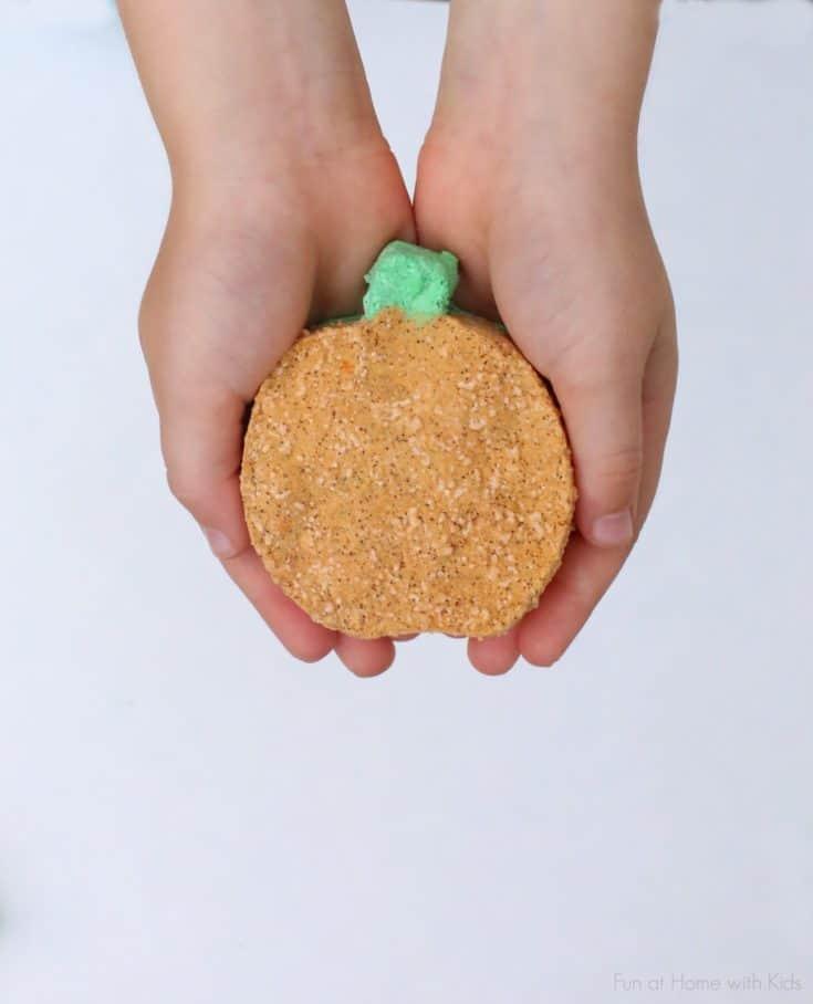 DIY Bath Bombs: Fizzing Fall-Scented Pumpkins
