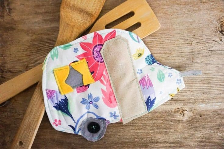 How to Make a Camper Potholder with Pattern